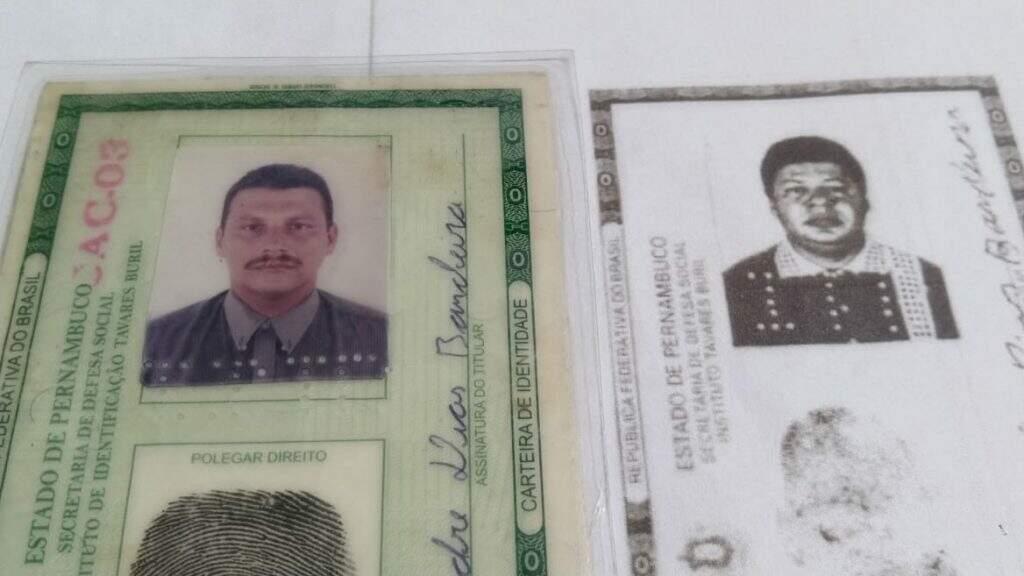 Do lado esquerdo, documento de Alexandre, preso no dia 27 de maio e ao lado, RG que estava com homem preso em 2001 (Imagem: Marco Zero)