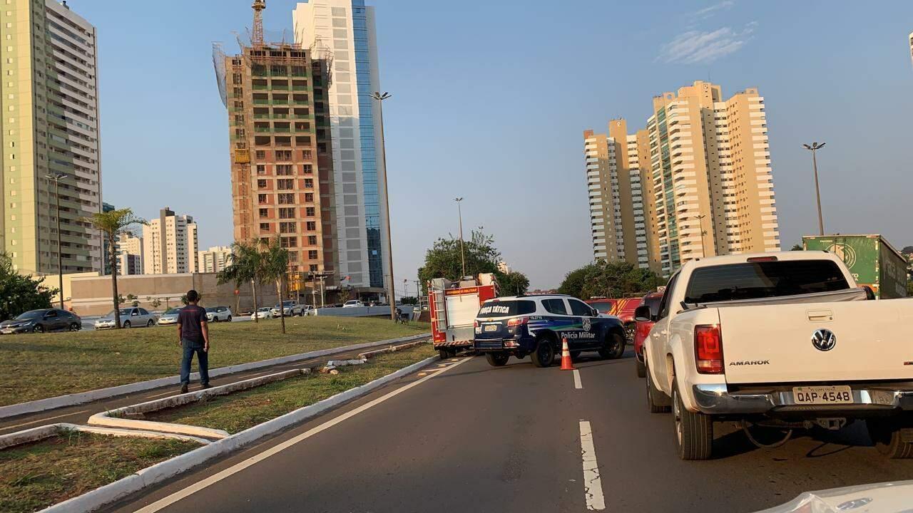 Trãnsito ficou congestionado na Afonso Pena, no cruzamento com a Ceará. (Foto: Direto das Ruas)