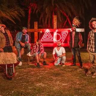 Atitude 67 lança álbum em live que vai arrecadar doações para AACC