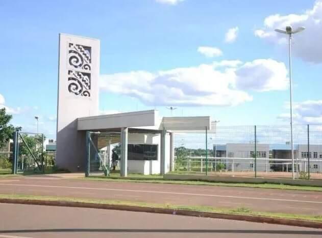 Fachada UEMS em Campo Grande. (Foto: Arquivo/ Campo Grande News)