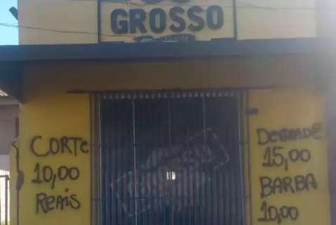 Surpresa ruim: barbearia é pichada com preços errados no Tijuca I