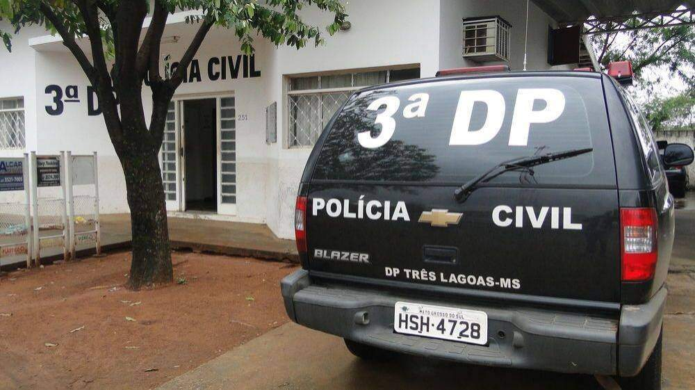 Trio foi levado para a 3ª Delegacia de Polícia Civil. (Foto: Hoje Mais)