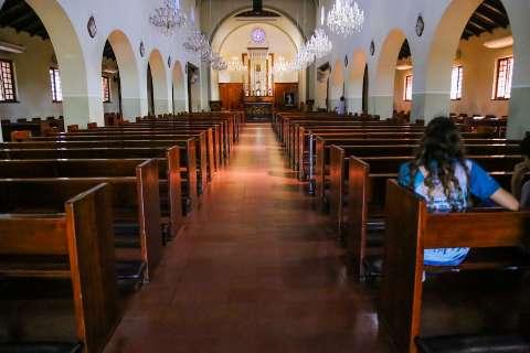 Igrejas devem continuar abertas na pandemia? Vote na enquete