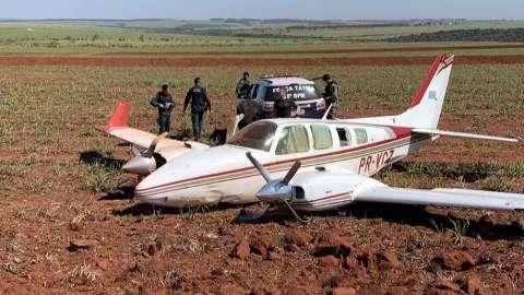 Ação com 4 caças e 1 helicóptero apreendeu 1 tonelada de cocaína