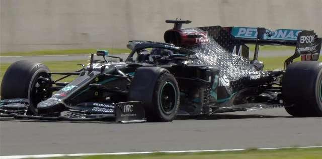 Lewis Hamilton supera pneu furado na última volta para vencer GP da Inglaterra