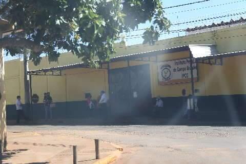 Após novos testes, famílias denunciam aumento de casos de covid em presídio