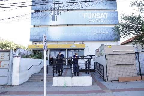 Funsat começa a semana com 80 vagas para atendente de telemarketing