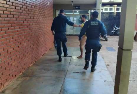 Seminu, colombiano é preso em motel e ameaça matar policiais