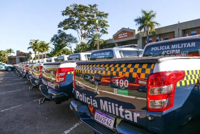 Com investimento de R$ 9,6 milhões, governo entrega 73 viaturas para 20 cidades