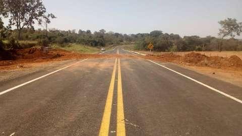 Agesul retira manilhas de estrada estadual e libera acesso a Aquidauana