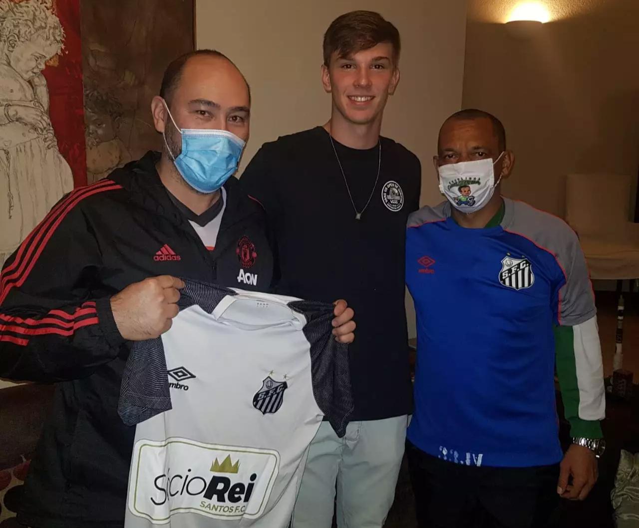 """Geraldo Harada, Gustavo e o técnico de futsal Júlio César """"Pelezinho"""" (Foto: Arquivo pessoal)"""