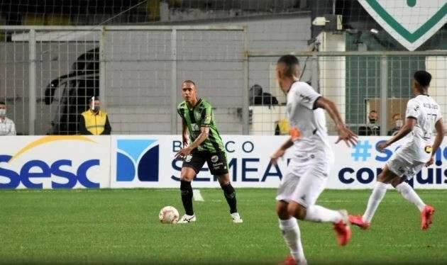 Em MG, Atlético faz 3 a 0 no América e garante vaga na final do campeonato