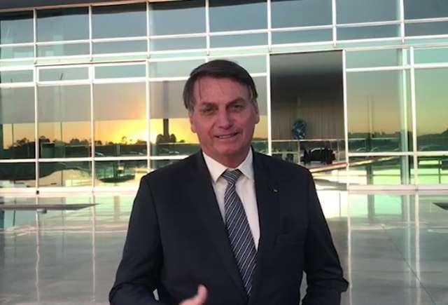 Bolsonaro grava vídeo elogiando produtor de MS por hasteamento de bandeira