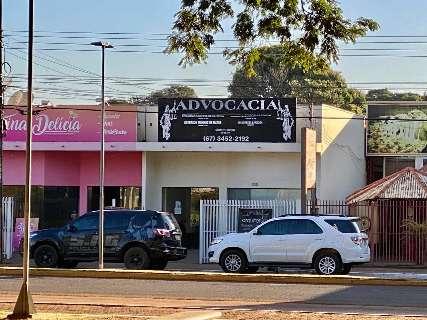 Ex-prefeito é alvo de operação, acusado de coagir vítima de estupro
