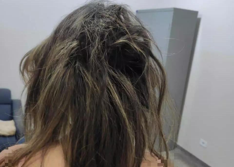 Criminoso cortou o cabelo da jovem com faca. (Foto: Polícia Civil)