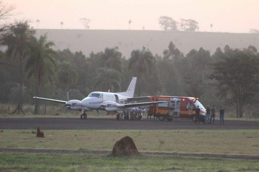 Avião que transpotou o paciente até o Albert Einstein. (Foto: Jornal da Nova)