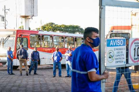 Trabalhadores do transporte decidem em assembleia se fazem greve
