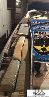 Carreta com 2 toneladas de maconha que seguia para o Paraná é apreendida em MS