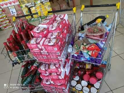 Supermercado no Jardim Itamaracá é autuado vendendo produtos vencidos
