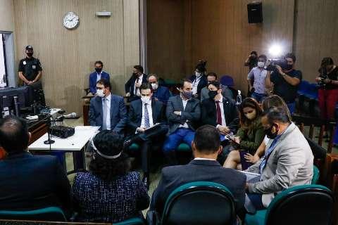 Sem acordo em audiência, Capital continua com tudo aberto até decisão de juiz