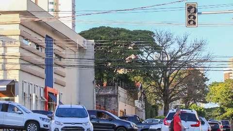 Sem luz na Ceará, semáforos param de funcionar e trânsito fica tumultuado