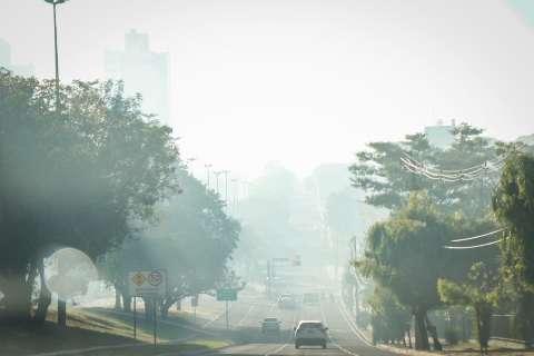 Cena de agosto: Campo Grande amanhece com fumaça encobrindo a cidade