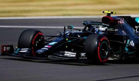 Com Bottas na pole position, dupla da Mercedes larga na frente em Silverstone
