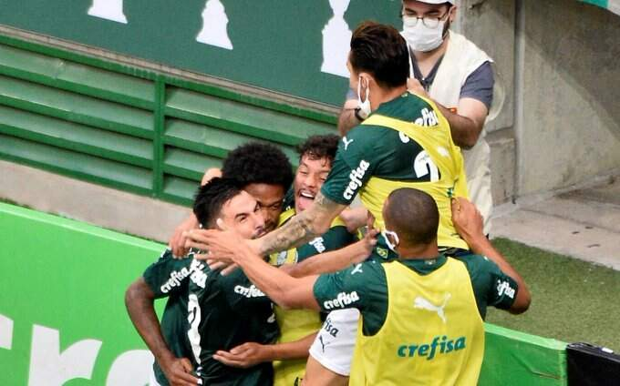 Jogadores do Palmeiras comemoram durante final do Campeonato Paulista (Foto: Reprodução)
