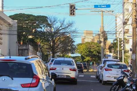 Agosto vence prazo para licenciar veículos com placa final 7 ou 8