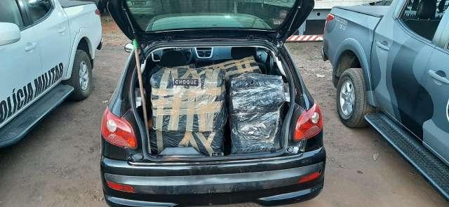 Dois homens são presos em carro lotado com 259,6 kg de maconha em Campo Grande