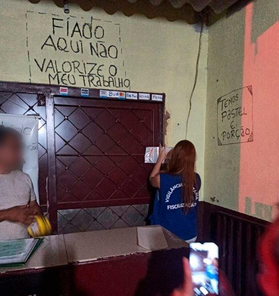 Estabelecimento no Bairro Nova Lima foi lacrado pela Vigilância Sanitária (Foto: Divulgação)
