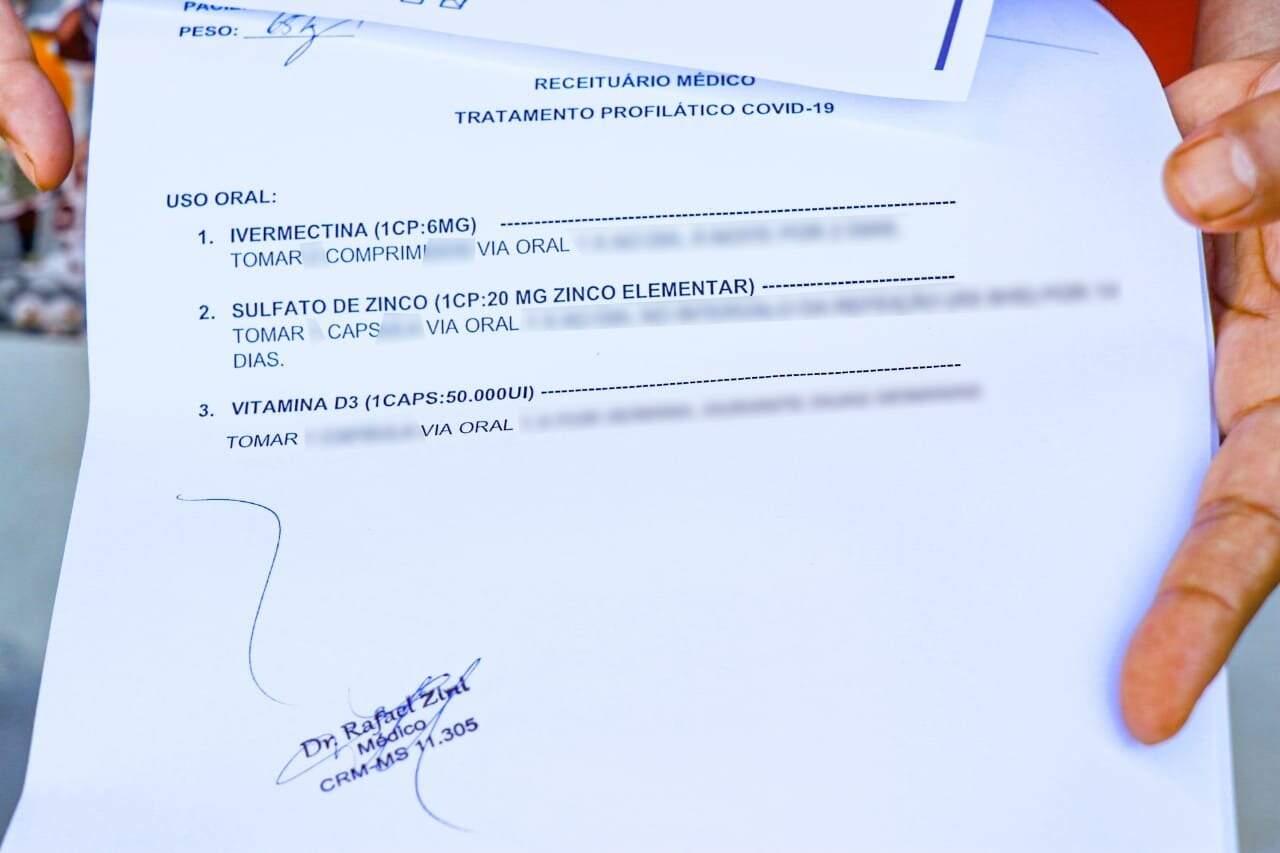 Receita prescrita para paciente que foi ao pólo (Foto: Henrique Kawaminami)
