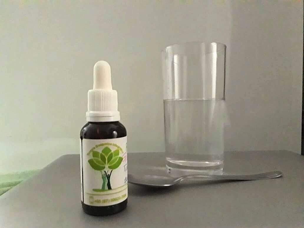 Floral é um medicamento alternativo e natural para tomar em casa. (Foto: Alana Portela)