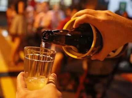 Trad revê decreto e a partir de quarta já está proibido beber em local público