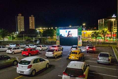 Shopping retoma programação do cinema drive-in no fim de semana