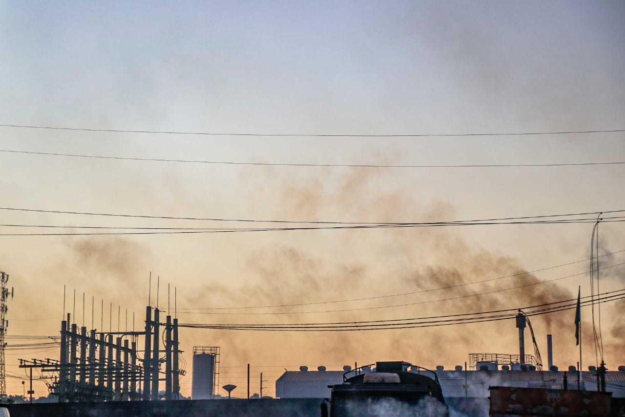 Céu aberto e clima seco têm sido a tônica nos últimos dias em Campo Grande (Foto: Henrique Kawaminami)