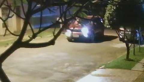 Para recuperar furadeira esquecida, eletricista procura dono de Jeep Renegade