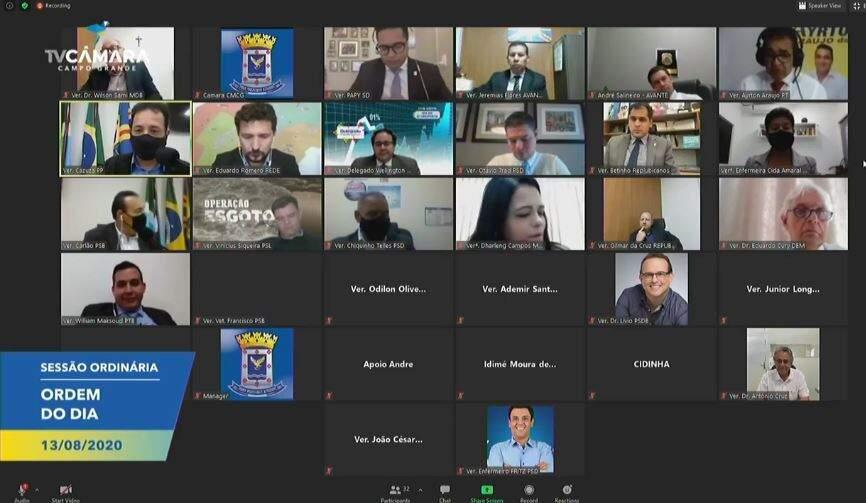 Vereadores durante votação virtual de projetos (Foto: Reprodução - Facebook)