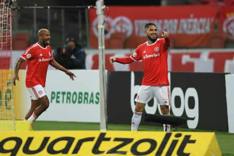Internacional vence o Santos por 2 a 0 no Beira Rio