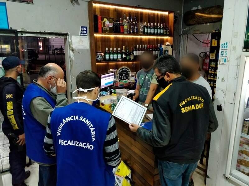 Fiscalização conjunta em conveniência de Campo Grande (Foto/Divulgação/Guarda Municipal)