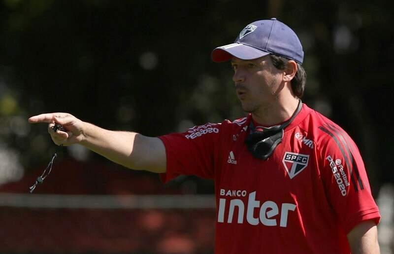 Técnico Fernando Diniz comanda treino do São Paulo (Foto: Divulgação)