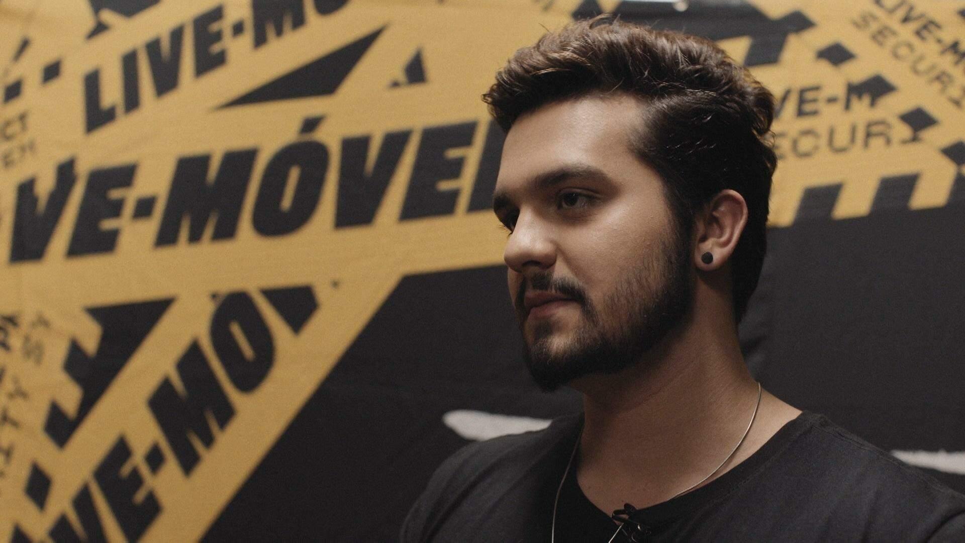 Luan Santana também aparece na obra e fala sobre os trabalhos com a música. (Foto: Reprodução/Documentário)