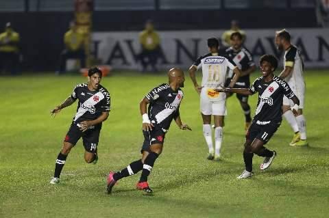 Fellipe Bastos marcas 2 vezes e garante vitória do Vasco sobre o Sport