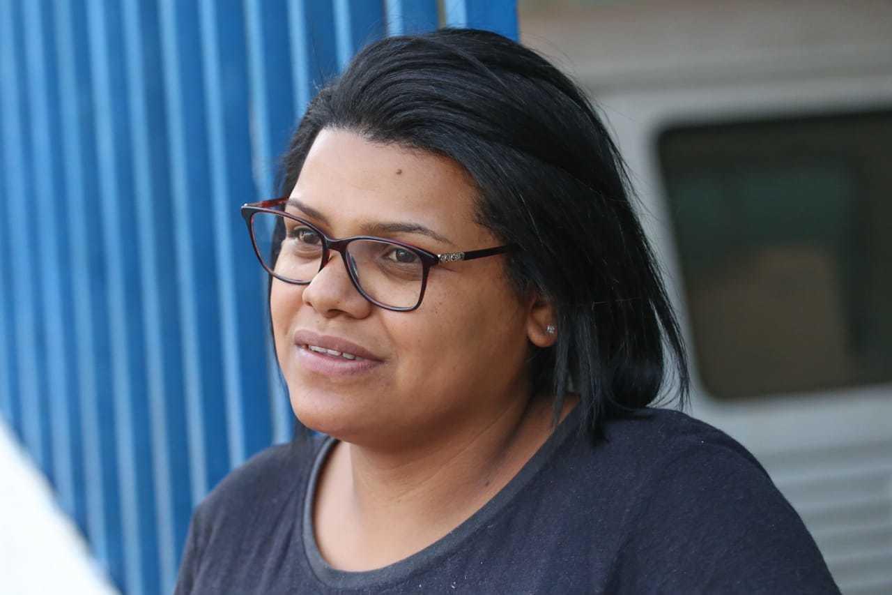 Com irmã e prima em período escolar, Monitheli Barreto acredita que aulas devem voltar em 2021. (Foto: Marcos Maluf)