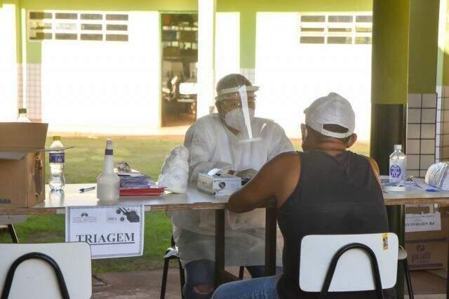 Triagem de pacientes com suspeita de covid-19 em Aquidauana (Foto: Divulgação/Prefeitura)