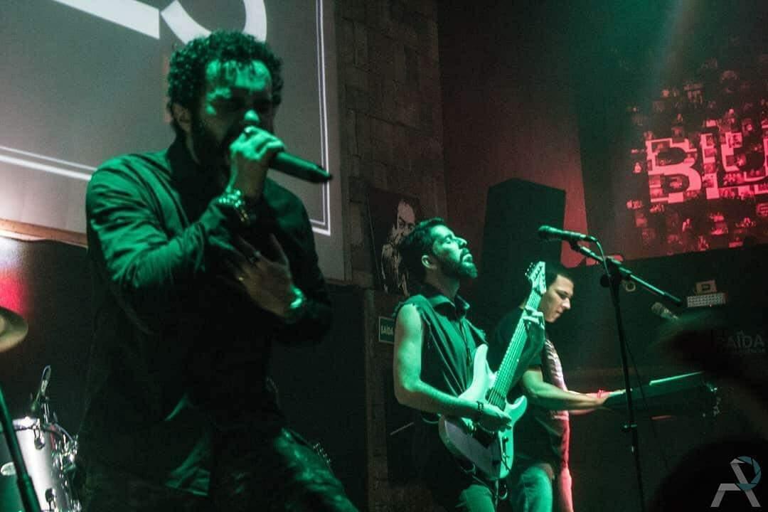 Banda Misbehaviour em show no Blues Bar, muito antes da pandemia.
