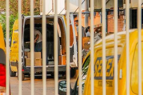 Preocupados com greve, clientes tentam retirar encomendas de Correios