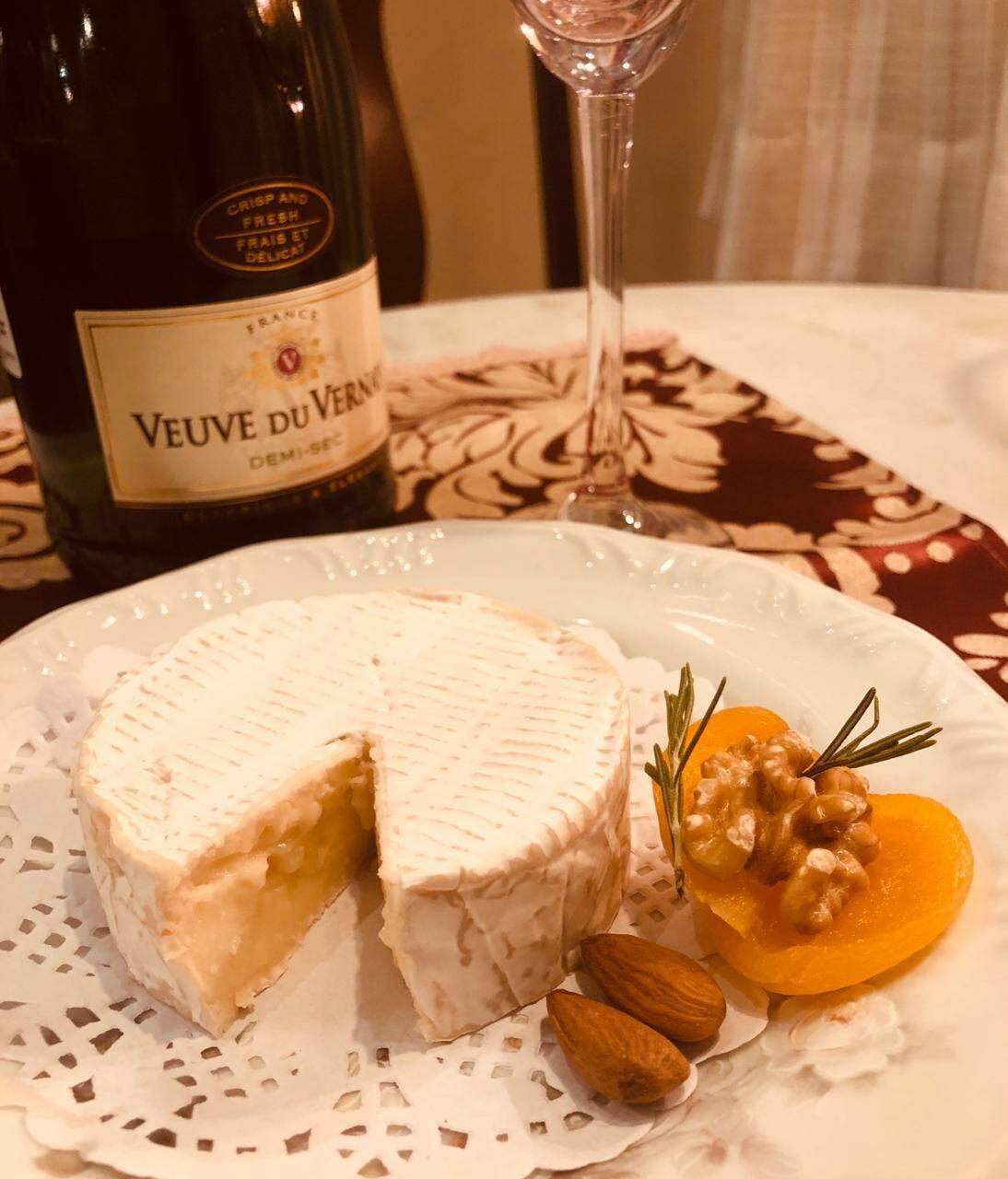 Porção de queijo brie. (Foto: Arquivo Pessoal)