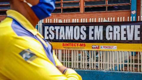 Correios fazem mutirão de entregas para reduzir impacto da greve