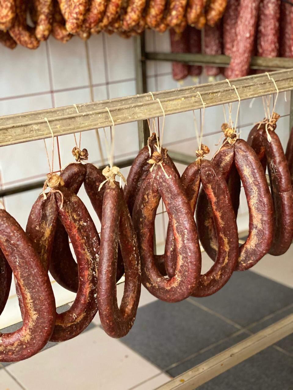 Segundo Paulo, romenos comem muitos embutidos e miúdos (Foto: Arquivo Pessoal)